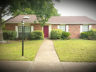 Comfortable 3 bedroom 2 bath home. Waiting for your arrival.