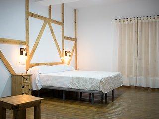 Casa señorial S. XIX en Monfragüe cama matrimonio habitación nº 6