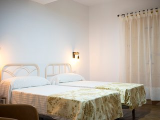 Casa señorial S. XIX en Monfragüe cama matrimonio habitación nº 4