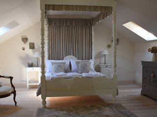 'PETIT HIBOU' Luxury accommodation in a converted stone barn