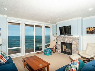 Ocean's Edge - Second Floor Oceanfront Condo, Hot Tub, Indoor Pool, Wifi & More!