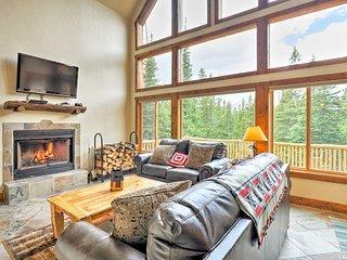NEW! Fairplay Log Cabin w/ Deck & Mountain Views!