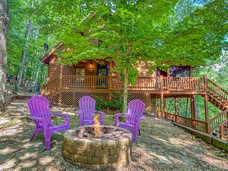 Secluded dog-friendly cabin w/ firepit, and forest views!