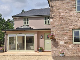 75884 House situated in Mitcheldean