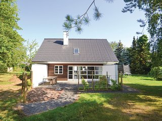 Amazing home in Ebeltoft w/ WiFi and 4 Bedrooms