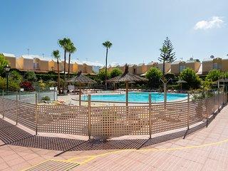 Private Solarium Bungalow Pool & Parking