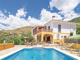 Stunning home in Mijas w/ Outdoor swimming pool, WiFi and 2 Bedrooms