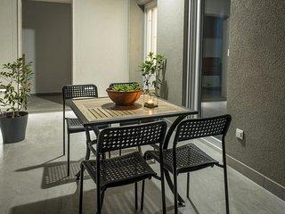 Baska Voda Apartment Sleeps 4 with Air Con - 5810188