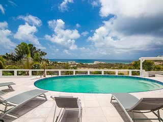 ALIZEE...Comfortable 7 BR Family Villa In Dutch St Maaretn.. Walk To Guana Bay B