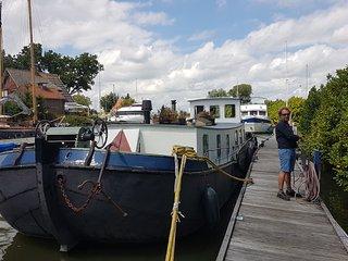 Bright Houseboat Monnickendam 30 minits from Amsterdam