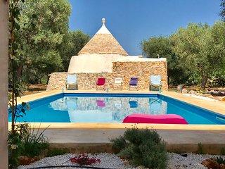 trullo-maria-elisabetta location avec piscine