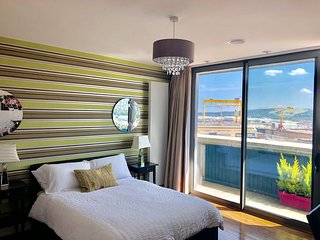 CK Serviced Apartments - Luxury Penthouse apartment in Titanic Quarter