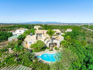 4 bedroom Villa with Pool, Air Con and WiFi - 5809916
