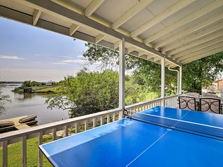 Waterfront Granbury Lake Home w/ Deck & Dock!