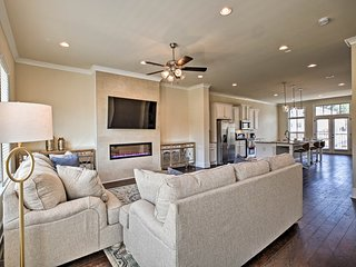 NEW! Atlanta Area Townhome w/Onsite Pool, Fire Pit