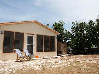 Delightful, Quiet Beachfront Cottage