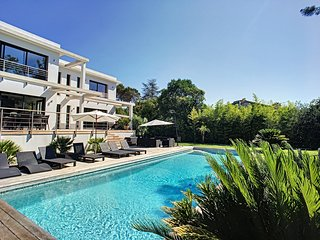 MODERN VILLA MOUGINS 230m2 swimming pool!!
