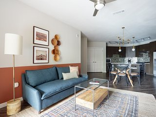Sonder | Southtown Apartments | Unique 2BR + Pool