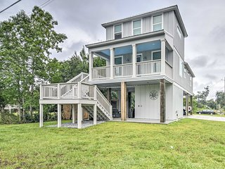 Modern Waveland Home 5 Blocks to S Beach Blvd