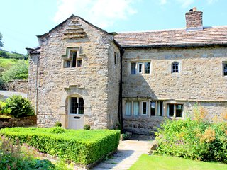 Countersett Hall, Yorkshire Dales manor house, sleeps 7, nr Askrigg & Hawes