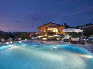 Comfortable and spacious house Karojba (Central Istria - Središnja Istra