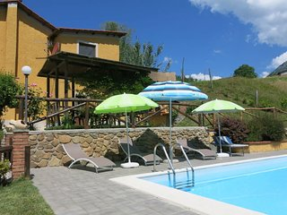 Sant'Anna Holiday Home Sleeps 7 with Pool and Free WiFi - 5651521