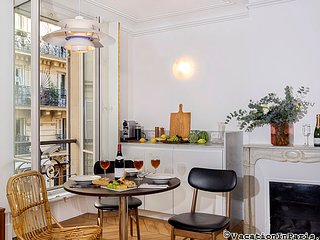 Latin Quarter Dream One Bedroom - ID# 382