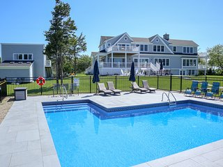 Magnificent Mansion, Privacy, Pool, Water Views in Brewster; 417-B