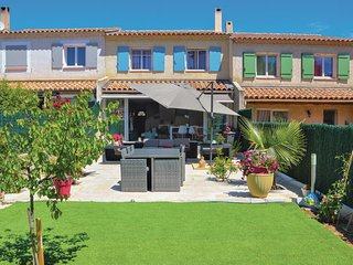 Beautiful home in La Ciotat w/ WiFi and 3 Bedrooms