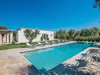 4 bedroom Villa with Pool, Air Con and WiFi - 5809682