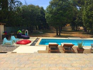 LS4-349 BLACAS - Rental with pool and big garden in the Vaucluse, 5 sleeps