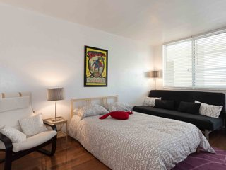 ★★★★★ SOUTH BEACH VERY SUNNY STUDIO APARTMENT WITH FREE PARKING ★★★★★