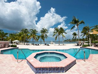 Kaibo, Rum Point Grand Cayman 2 Bed Ocean Front Condo
