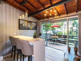 1 Bedroom with a deck in Lleras doorman AC