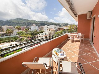 AMORE RENTALS - Casa Katia with Private Terrace, Air Conditioning and Internet W