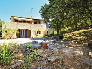 Stunning home in Chamaret w/ WiFi and 3 Bedrooms