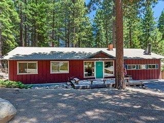 Adorable, Affordable & Pet  Friendly 'Creekside Cabin'!
