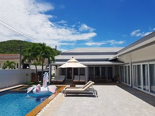 Thiva Pool Villa Plus Hua Hin