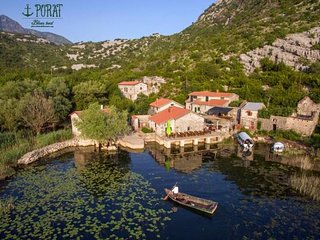 Villa Radus - peaceful paradise on the shore of the great lake Skadar