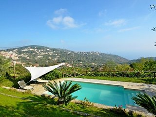 Villa Amolu, quality with private pool, ocean view