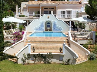 8 bedroom Villa with Pool and WiFi - 5810159