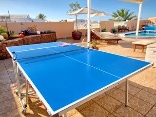 Villa La Estrella, 3 Bed, 2 bath, Hot TUB,WIFI, SKY TV,T Tennis & Pool Table A/C