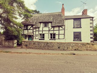 The old bakery, A beautiful idyllic cottage in a quiet village