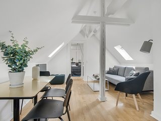 Rosenborg Hotel Apartments | 2 Bed Rooms | Prime Location | Loft