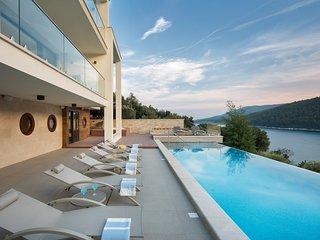 Villa Vlastelini 2 - luxury villa by the sea