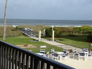 LuxuryCocoaBeachOceanView3 Bdm 2.5Bth Next to Pier