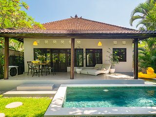 Twist and Shout Private villa Seminyak. Breakfast!