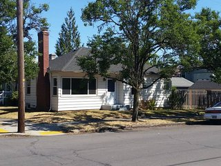 'Emerson Place' 4BR/2BA in popular Alberta Arts District! Close to everything!