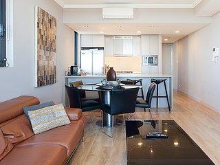 Australia Towers, 3 Bed 2 Bath Apartment, Sensational Sydney CBD Views