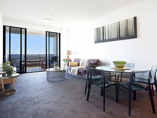 Australia Towers, 2 Bed 2 Bath Apartment, Fantastic Views and Stylish Design